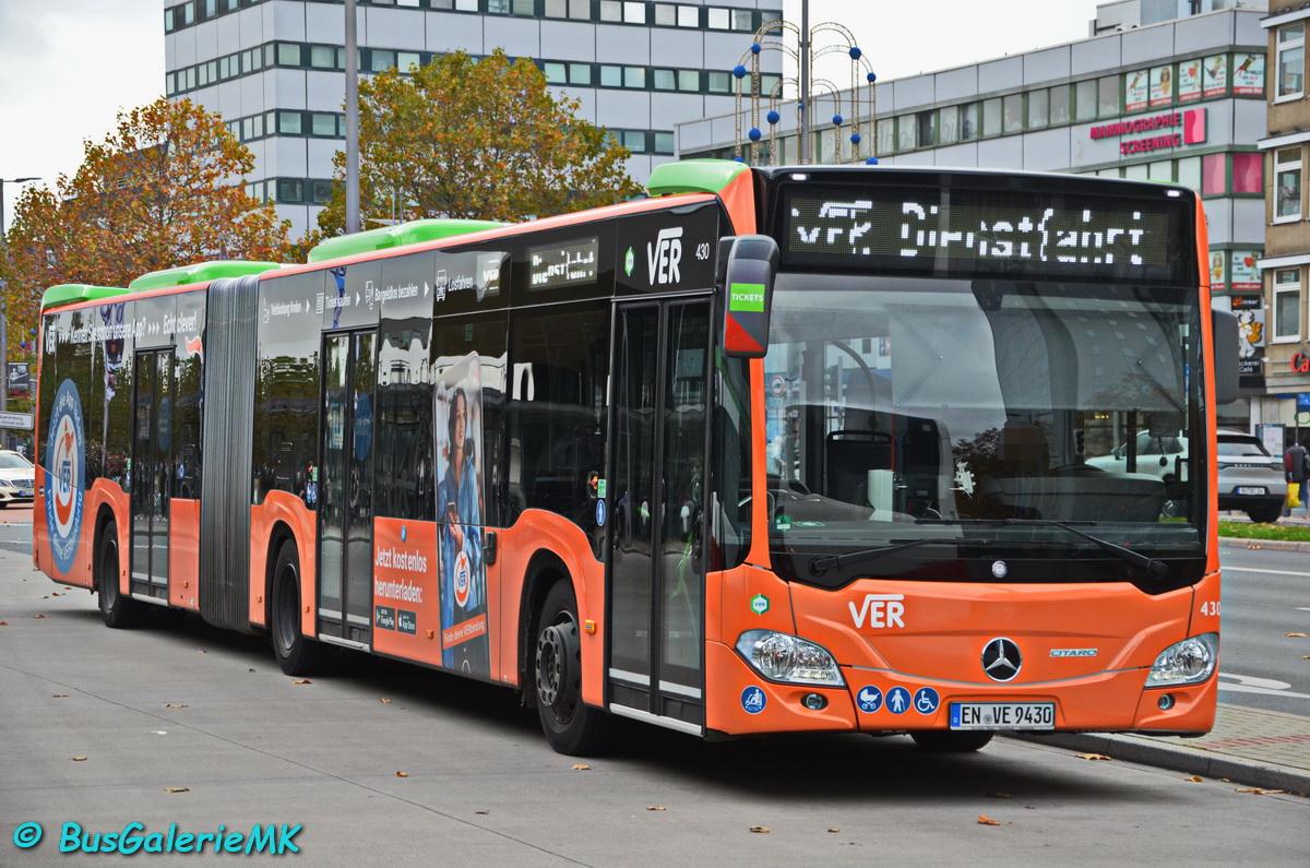 Wagen 430 pausiert am Bochumer Hbf.
