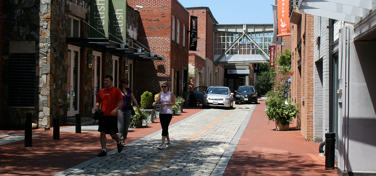 Curbless streets: a new paradigm for cities? | Leonard, foresight ...